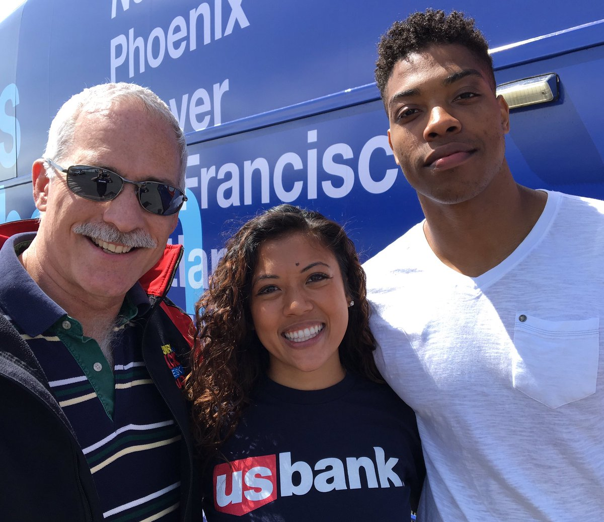 Went to see #USBank #communitypossible Relay Bus with captains #Dixcy & #Jibreel. #Medford: 12th city. Great team! https://t.co/f5IoF8AcoK