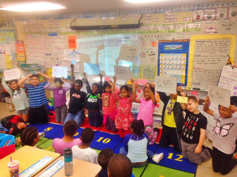 We used a human open number line to show how to add three digit numbers! https://t.co/nvqPFyTiBZ