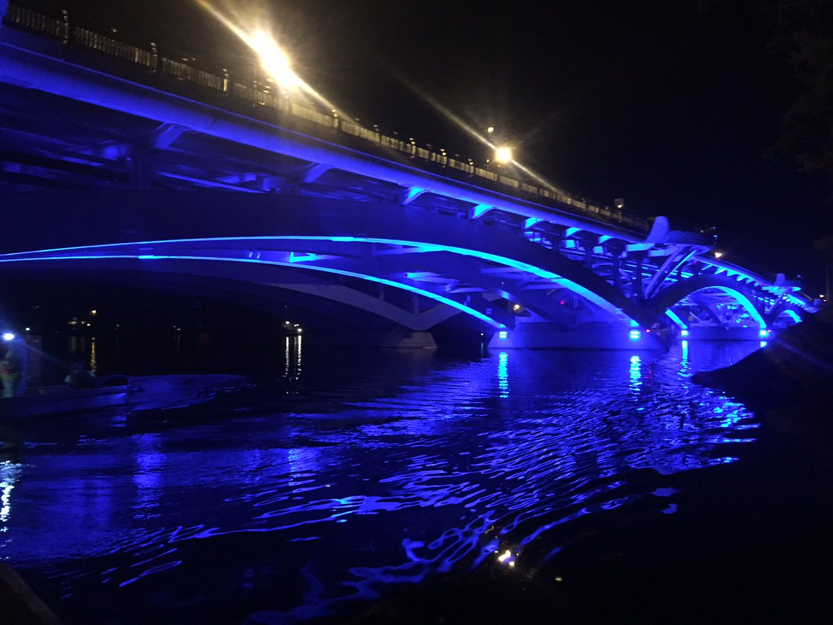 #Worcester #Shrewsbury: #BurnsBridge will shine Blue tonight in honor of @AuburnMAPolice Officer Ronald Tarentino. https://t.co/6QNf26D6md