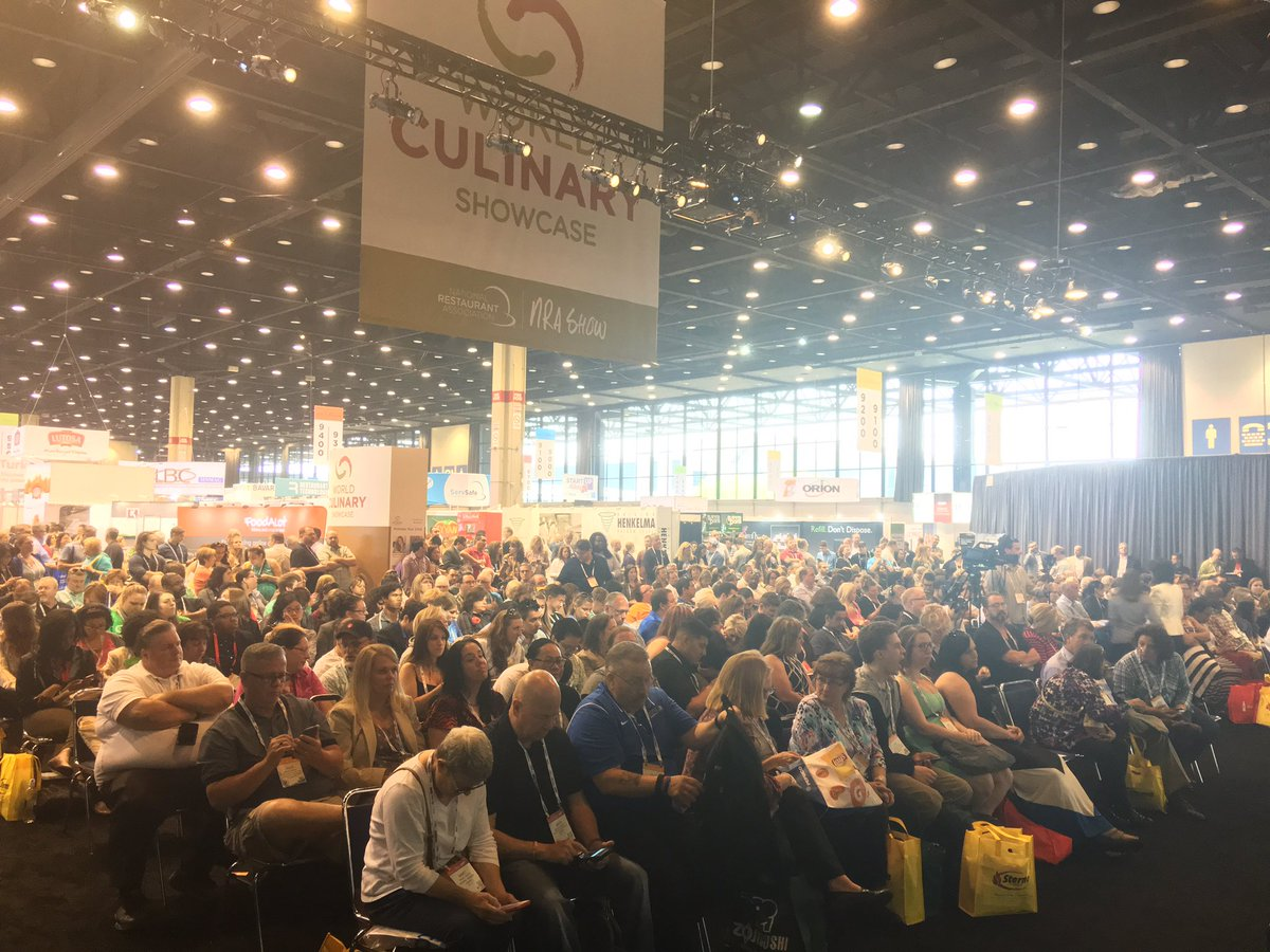 Full house at Chef @RobertIrvine's World Culinary Showcase demo! #NRAShow https://t.co/Ypl9QWeJr8