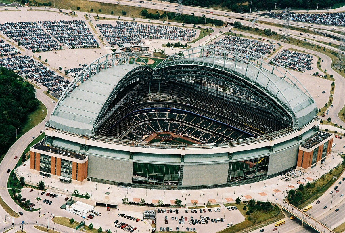 紅の事務屋 On Twitter Quot ファイターズの新球場でネックになるのは、土地よりも屋根かもな。 屋根無しなら