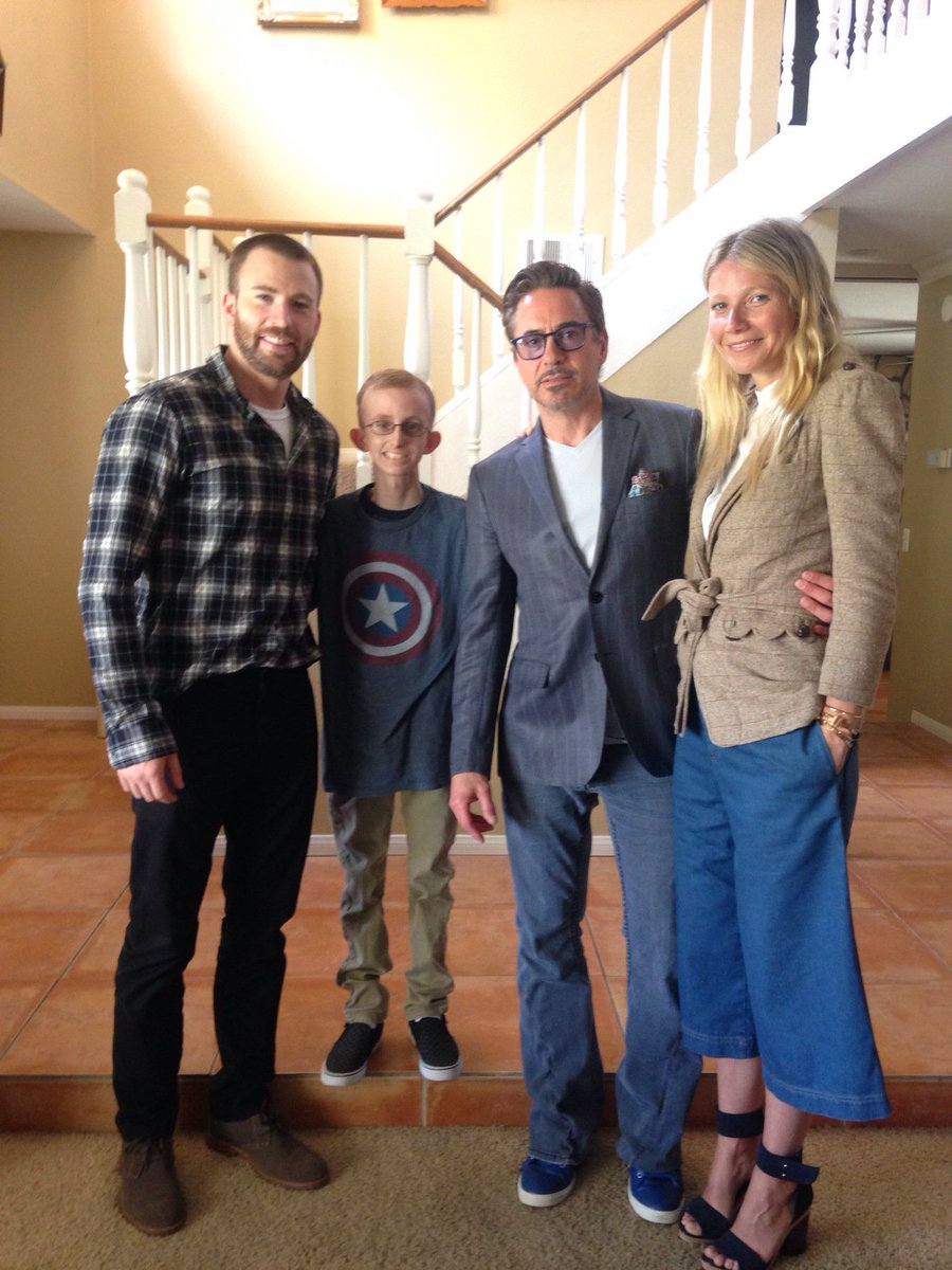 How great is this?!  The stars of the #Avengers surprise a San Diego boy, fighting cancer.  #NBC7 at 4pm #RyanStrong https://t.co/ujpO7NoADU