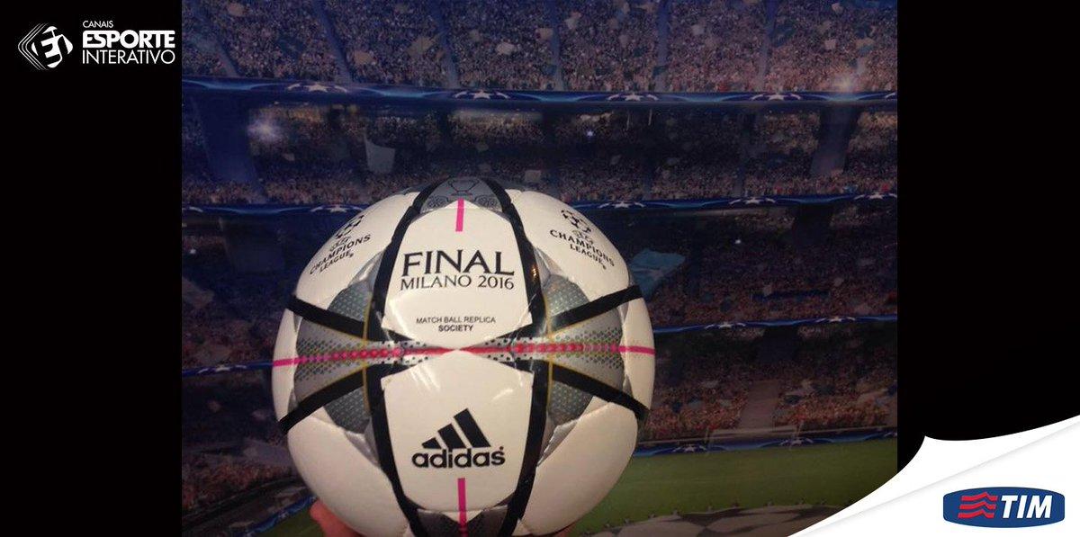 Use  JogandoEmMilão e diga porque você merece ganhar a bola da Champions b17abfabc761b