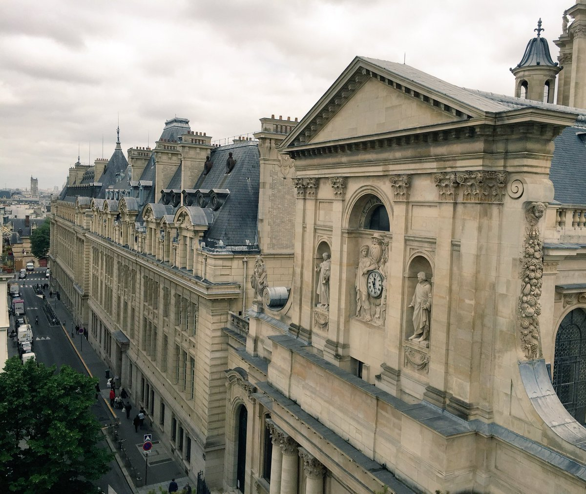 The view from my suite in #Paris  #LaSorbonne  <br>http://pic.twitter.com/kait5fvzmt