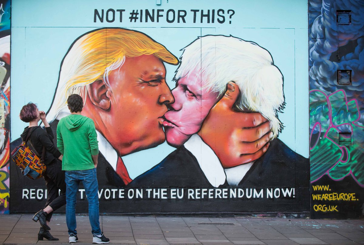 Mural depicting Donald Trump kissing Boris Johnson