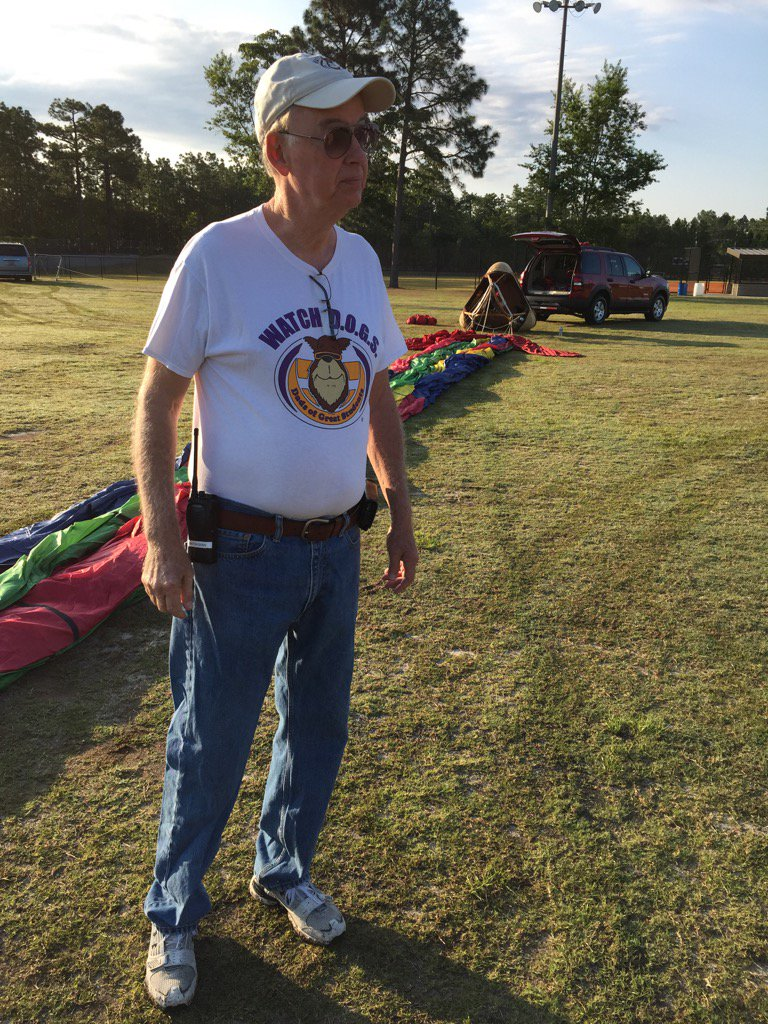 Thank you Watch DOG Sholly for helping out with the AR Hot Air Balloon celebration @NSECrickets @NCF4Dads https://t.co/HdzZjv1fxH