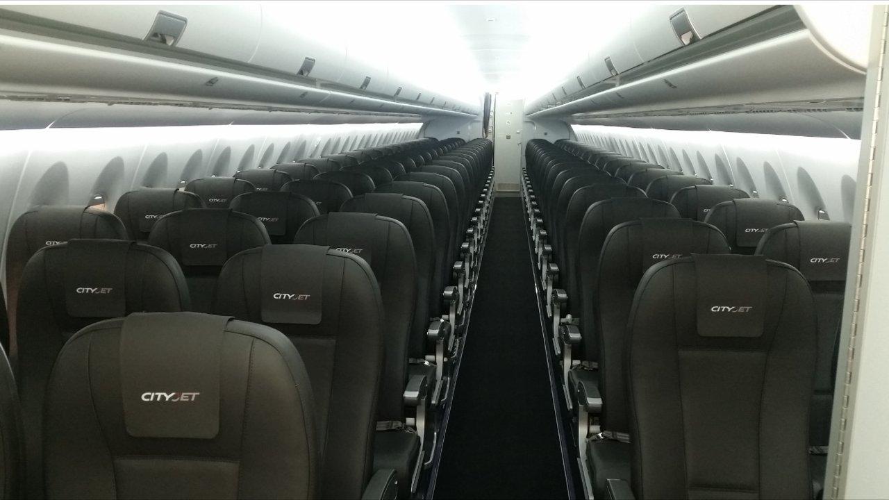 Салон самолета SS100