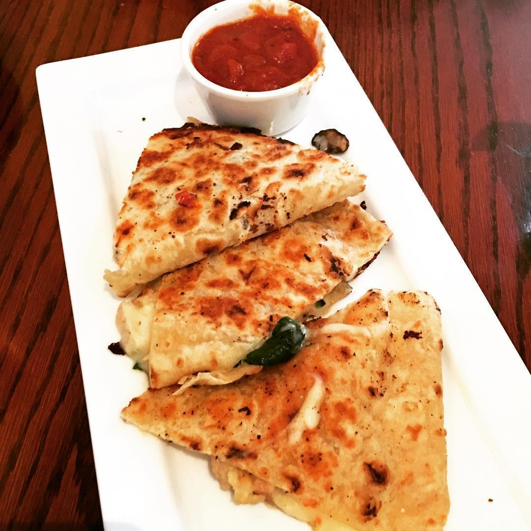 Olive Garden On Twitter A Warm Cheesy Chicken Piadina Is A Great Way To Split Up Your Day It
