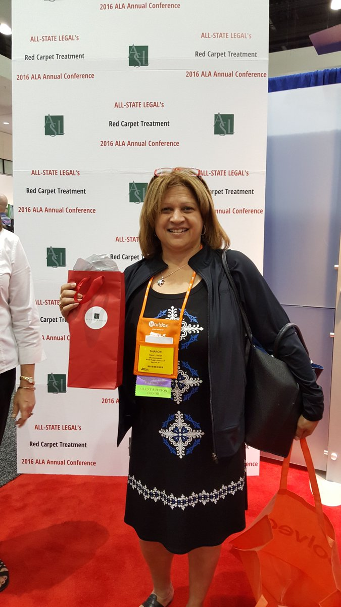 Enjoy your swag bag, Sharon Stewart! Stop by Booth #618 and enter to win today's swag bag drawing! #bizlaw16 https://t.co/I8kTTEKRyu
