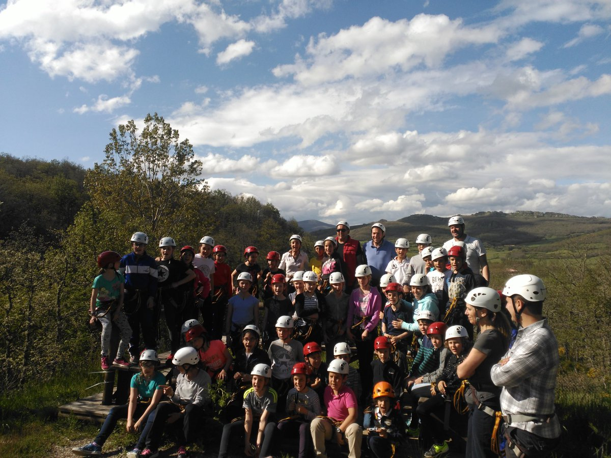 Ready for a great adventure!!! @colsangregorio and @HTPDSchool in the exchange at #AguilardeCampoo https://t.co/xVKP0LEk0Y