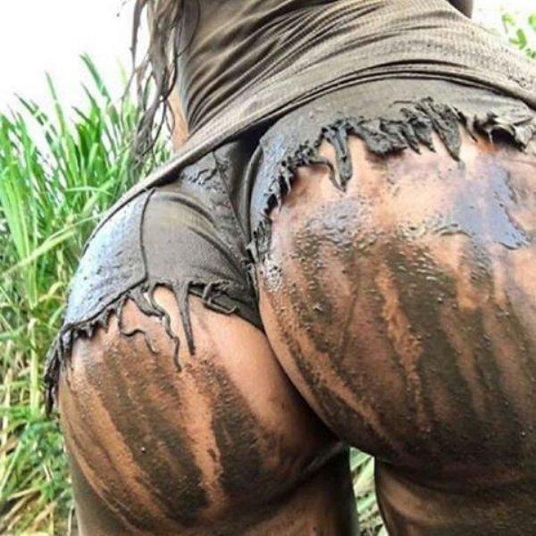 Dirty girls in public
