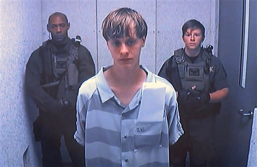 #BREAKING: Feds to seek death penalty against Charleston church shooting suspect Dylann Roof. #chsnews #scnews