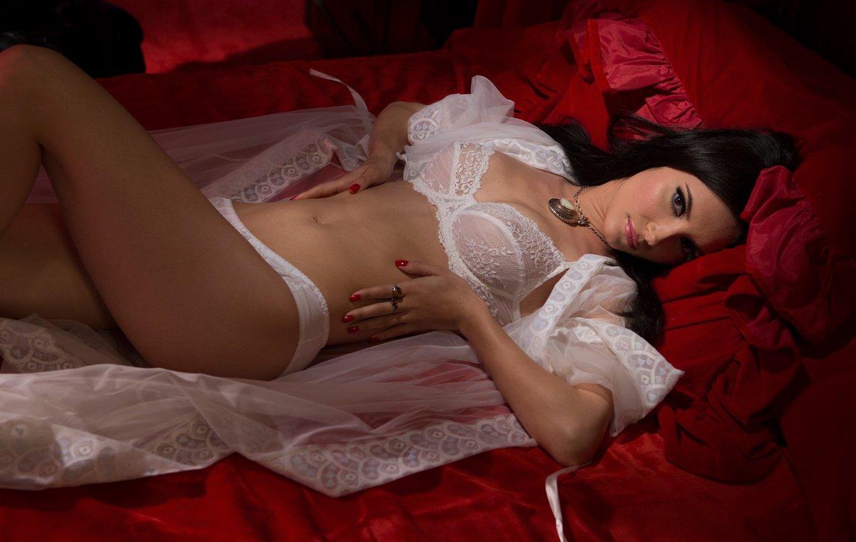 Nackt Samantha Robson  Samantha Robinson