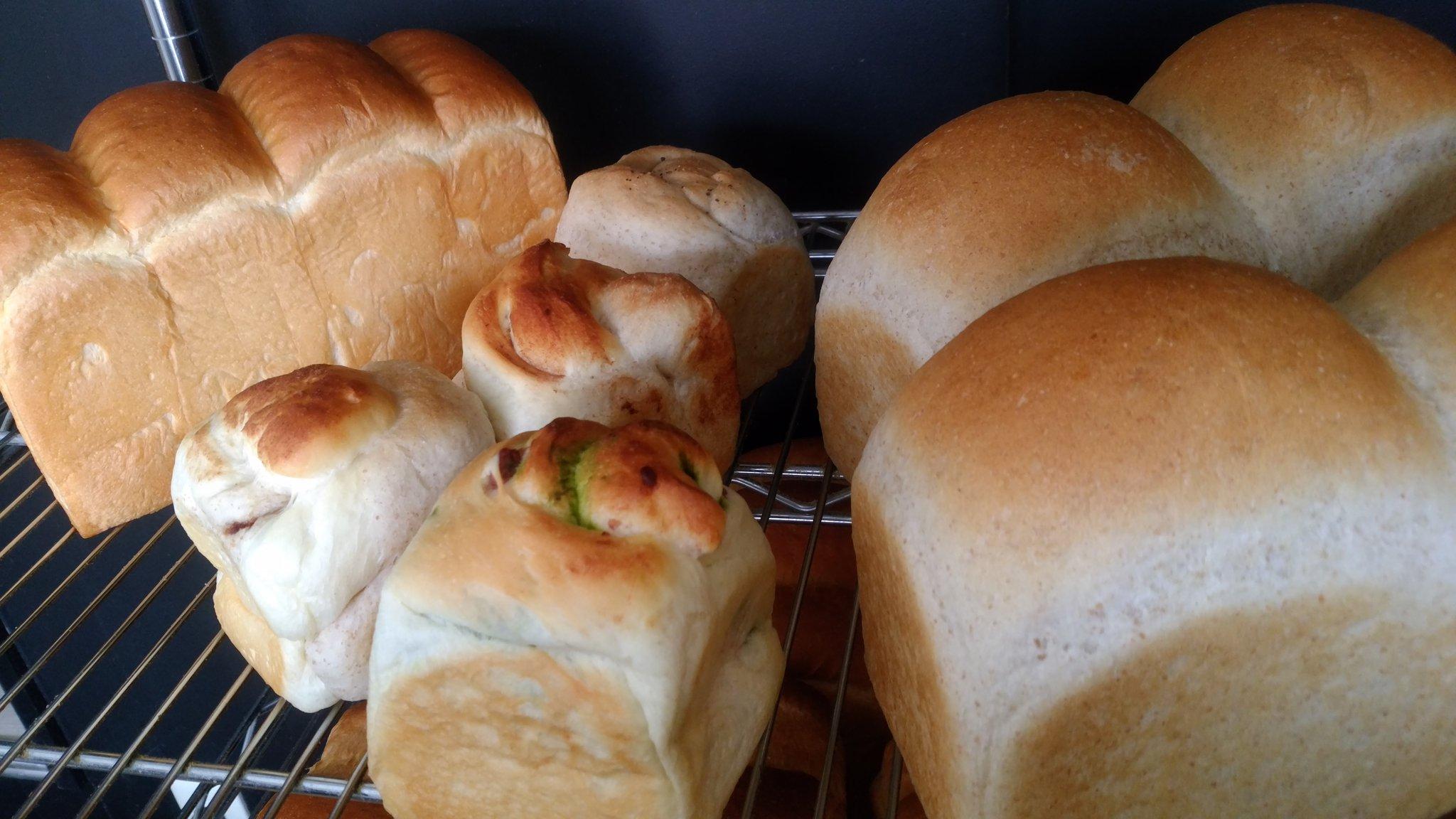 食パンじゅらく