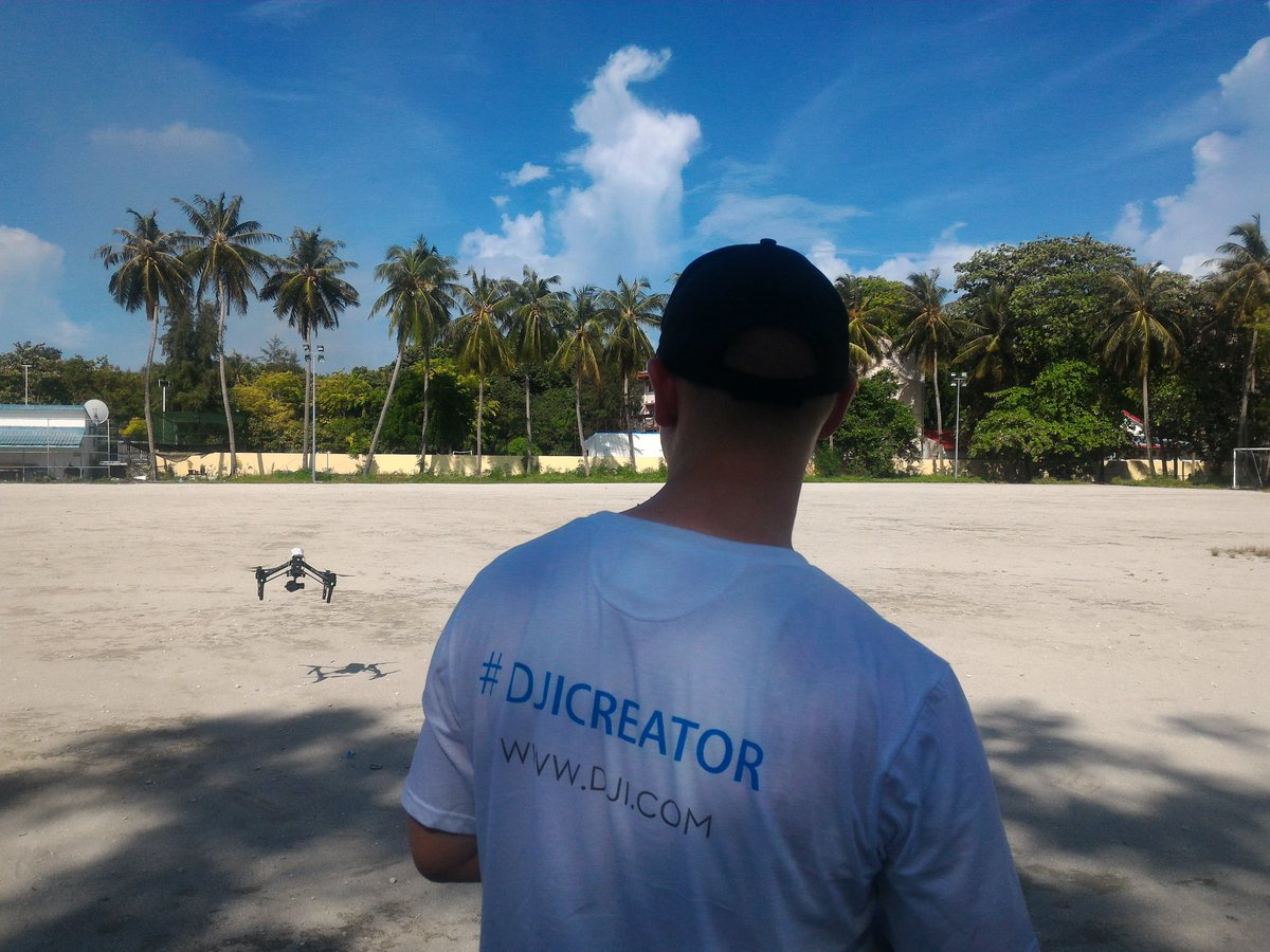 Hands on training with the #DJIcreator  #undpmaldives #djiglobal #werobotics @WeRobotics https://t.co/fvHbVeoSHz
