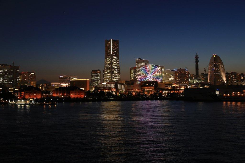 今日は #世界一難しい恋 の放送日だよ~☆というわけで、ハマコから #セカムズ ファンのみなさんにプレゼント。サウンドトラックのジャケット写真とほぼ同じアングルだと思うんだけど、どうかな?こんな夜景を見に #横浜 にも遊びに来てね♪ https://t.co/8SKyTST9go