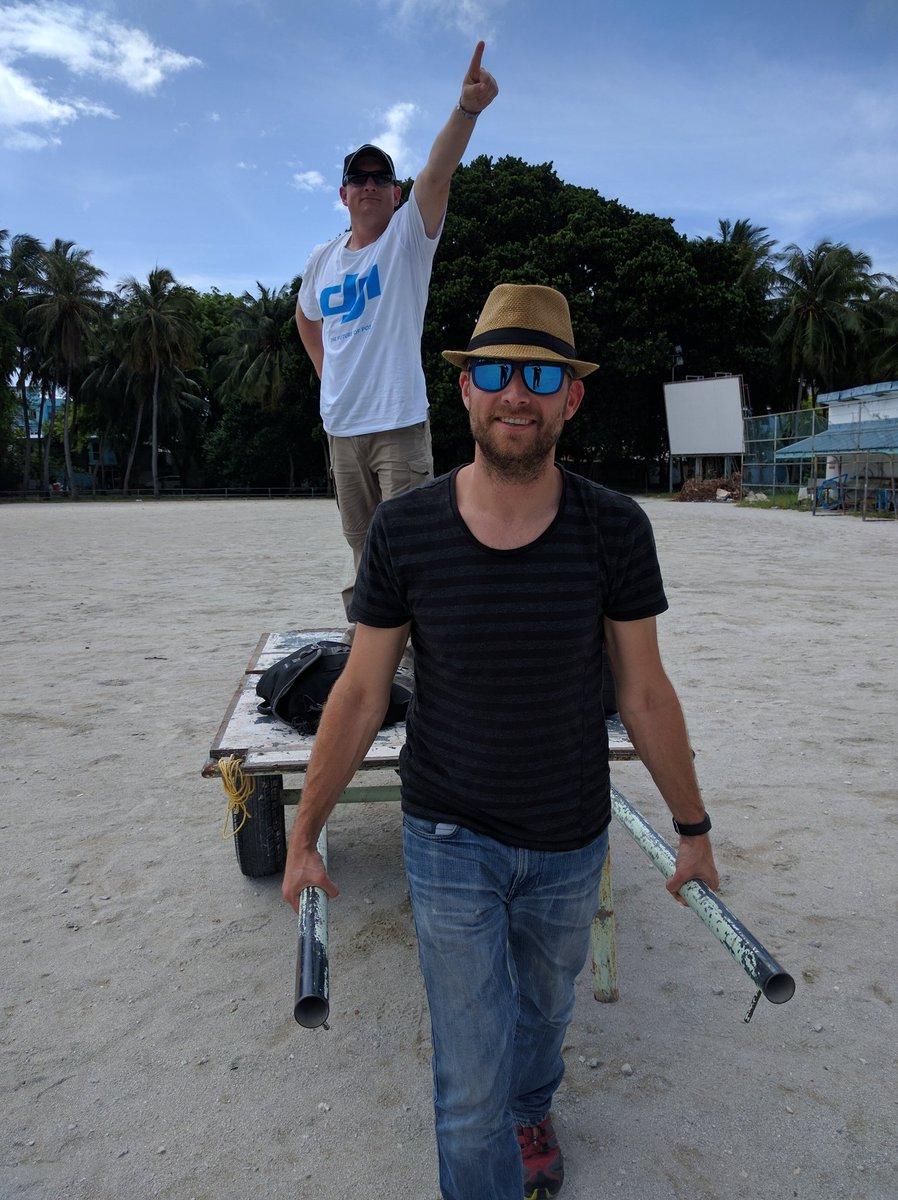Carting #DJI gear to the #drones training site on Vilingili island #Maldives @UNDPMaldives https://t.co/0xRw3kix0b
