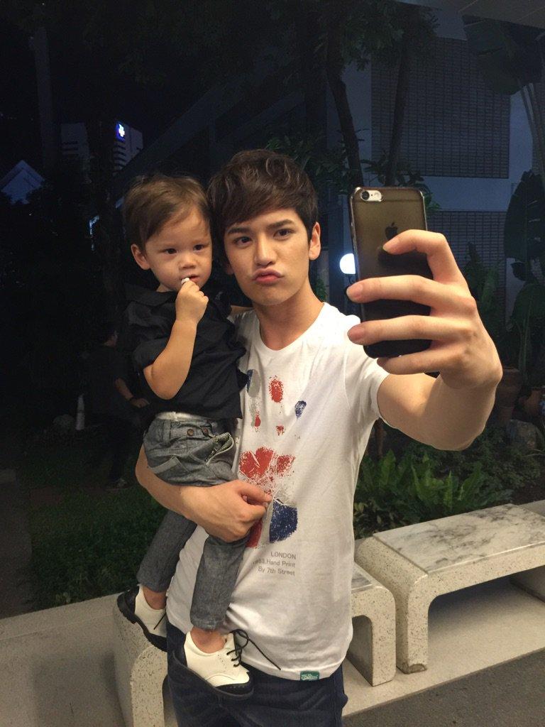 เต๋าเซลฟี่กะน้องแม็กเวล น่าร๊ากกกกกก รอดูรูปเซลฟี่น๊าาา @TaoPhiangphor