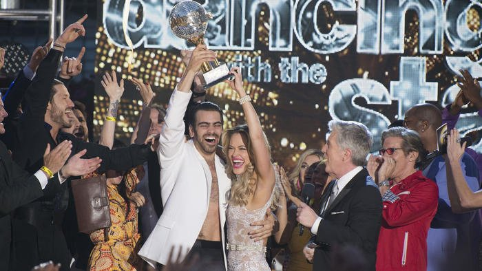 Nyle DiMarco, who grew up in Frederick, is the first deaf winner of #DWTS https://t.co/iuFZfIuCE0 https://t.co/wyErLIJcoe