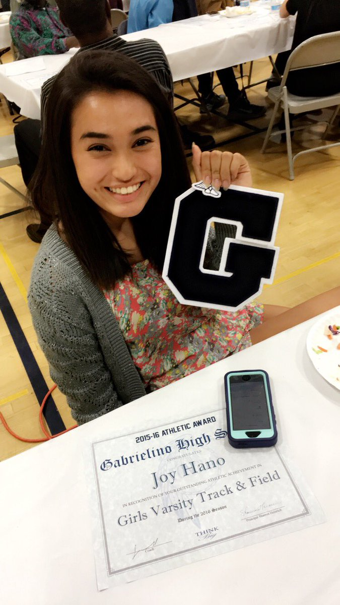 photo How to Get a Varsity Letter