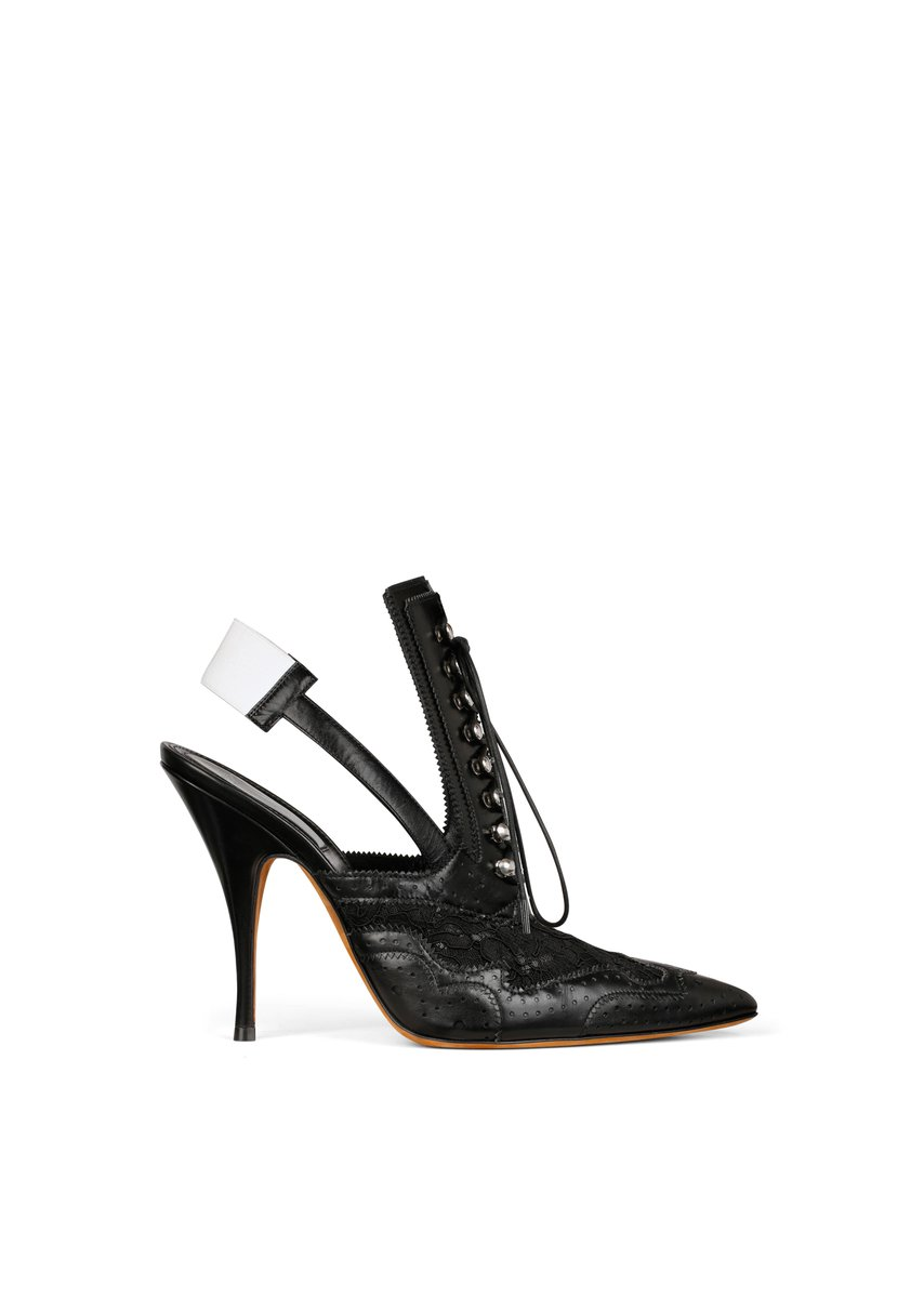 Discover the  Givenchy brogue shoes from the Spring Summer 2016 Women s  collection d9e27e230
