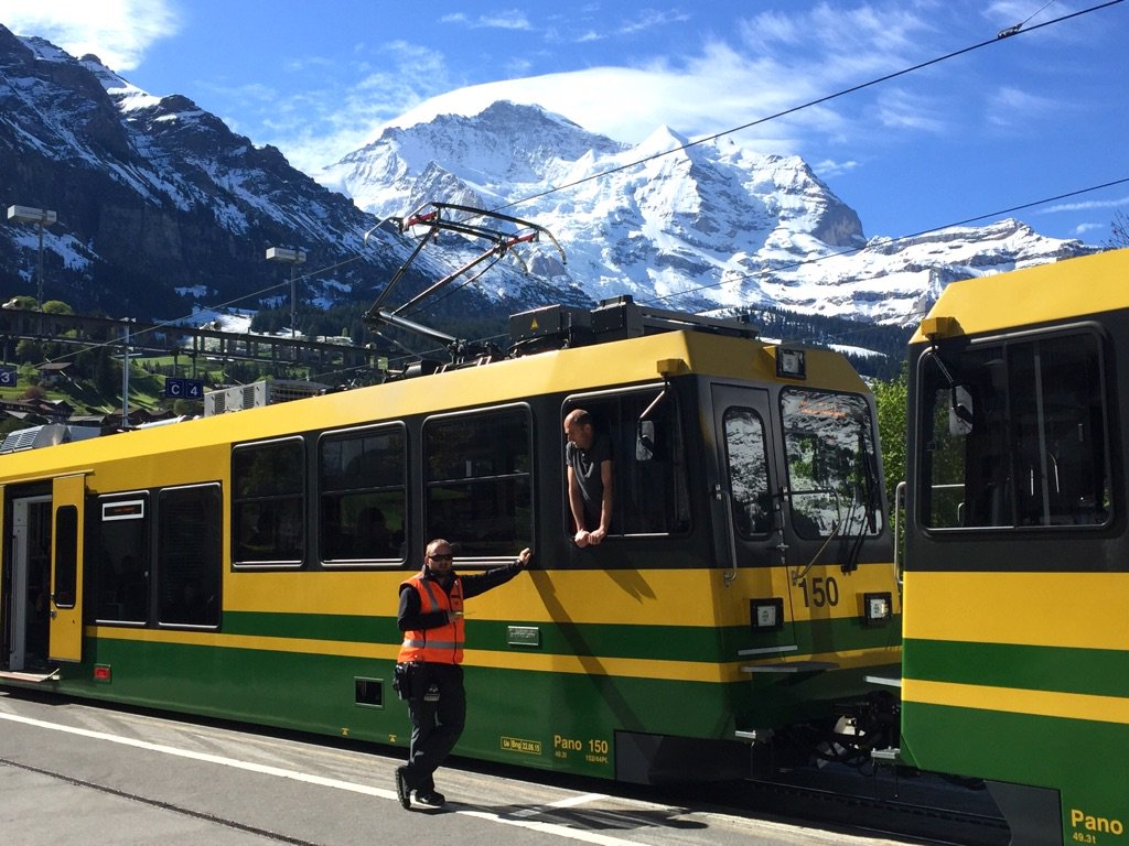 Real life looks so beautiful in the Bernese Oberland. #Wengen #Switzerland. https://t.co/bTzBlVqDAl