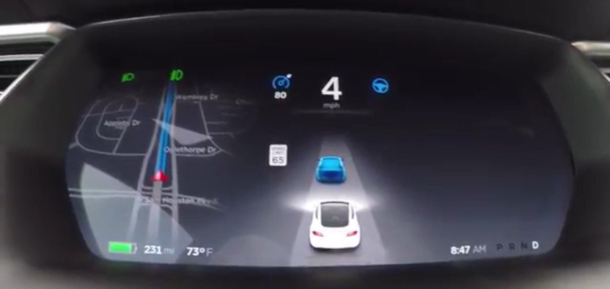 Pilota automatico Tesla