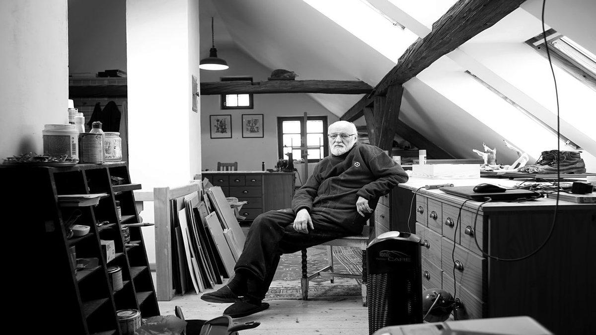 The great Jan Svankmajer is crowdsourcing his final film. https://t.co/fckcB9SeTU https://t.co/EdsdFRTNq9