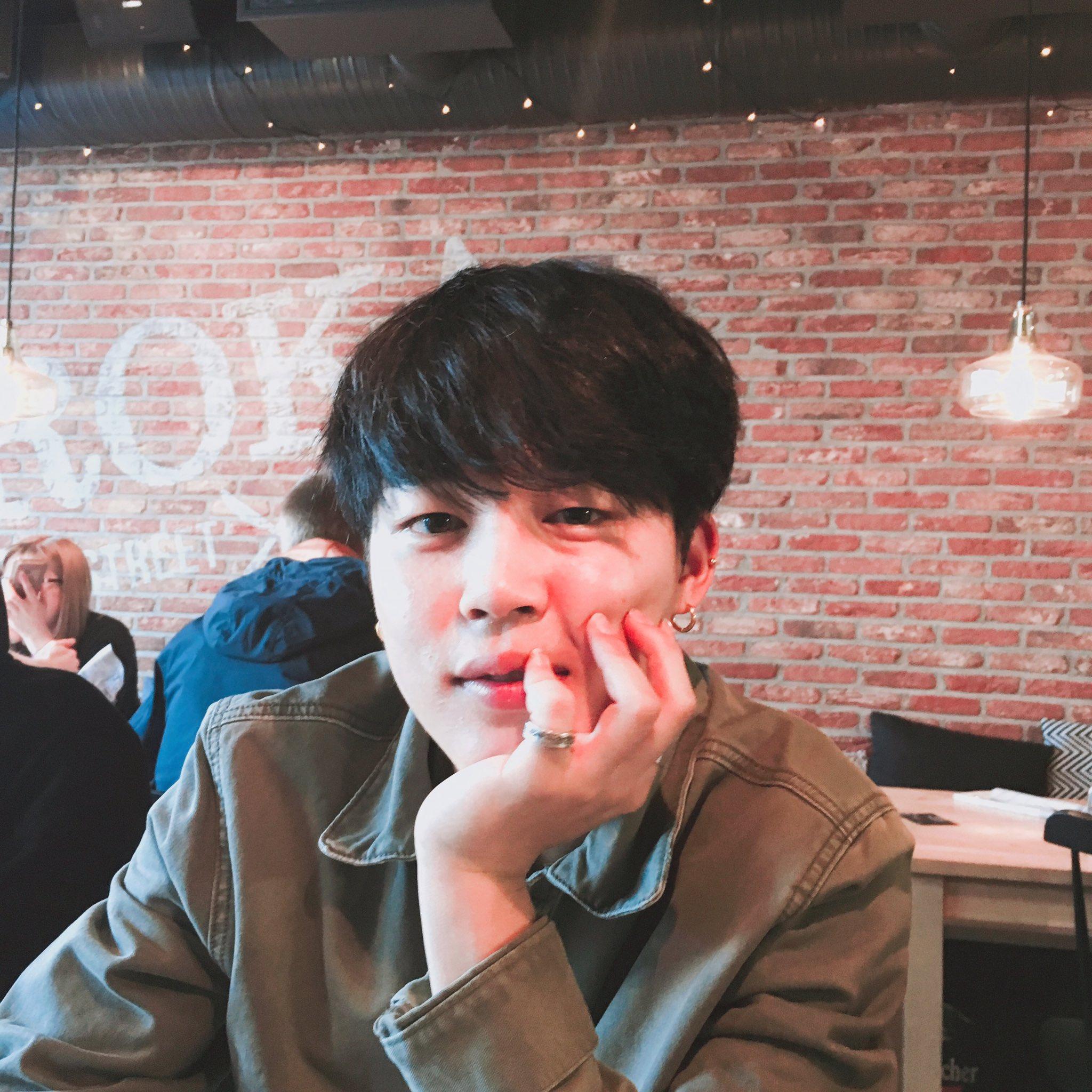 Mv Kiss And Makeup: [TWITTER/TRANS] BTS Twitter [160526]