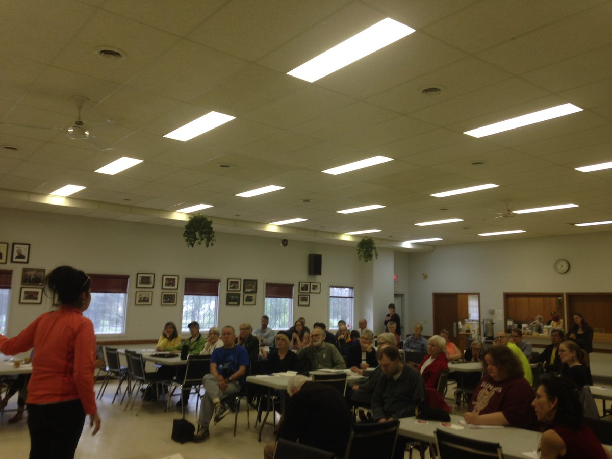 Talking climate science, green jobs and Indigenous rights at #yxe #PeoplesClimatePlan #CANClimateAction @350Canada https://t.co/Vg7IiQIXDG