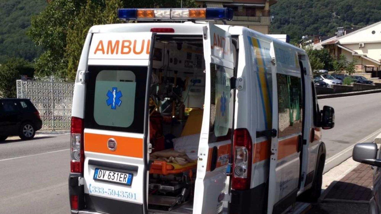 Foggia, lite tra studenti: 18enne perde un occhio ambulanza