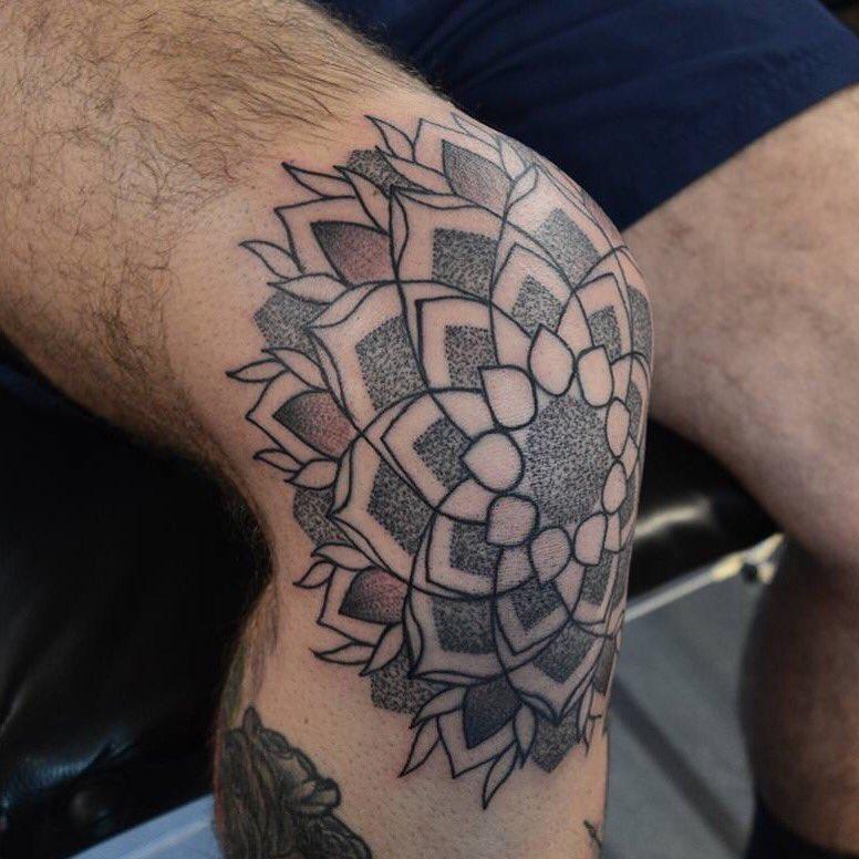 Vivid Ink Sutton On Twitter Knee Cap Mandala Blaster By Tom M