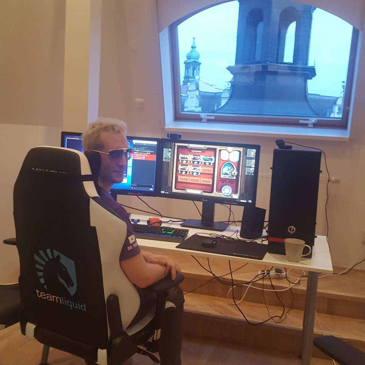 Elky on twitter new setup and new teamliquidpro chair for Chair in fortnite