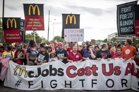 ABD: Fightfor15 Eylemcileri McDonald's Genel Merkezini İşgal Etti