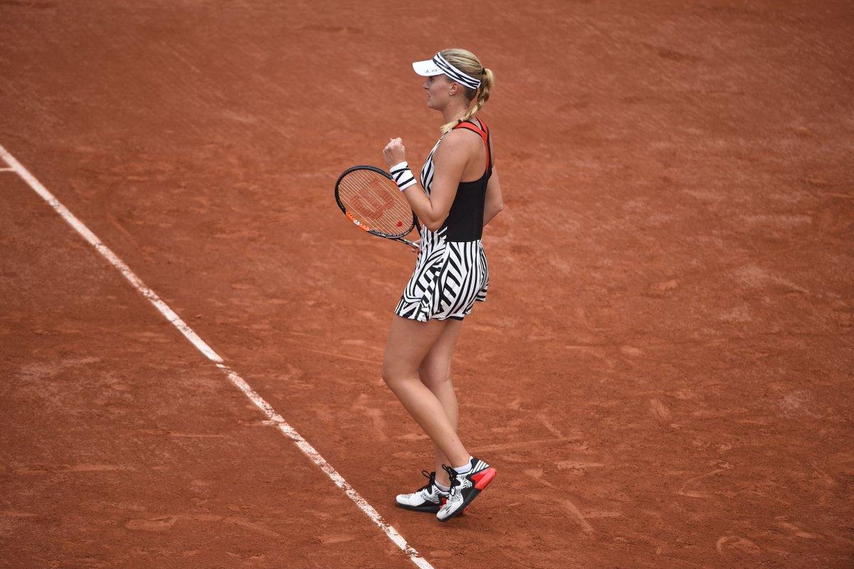 Roland Garros On Twitter Kristina Mladenovic Remporte Le 1er Set