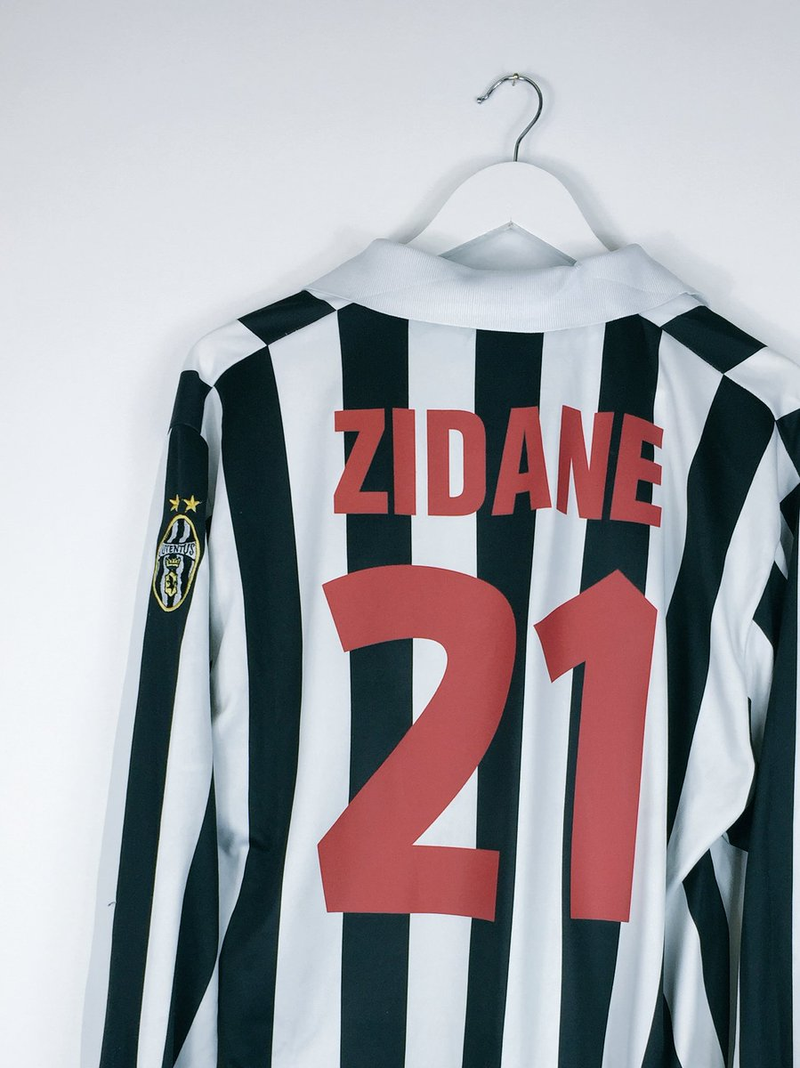 Cult Kits On Twitter Zidane Juve 98 99 Home He Did Okay That Year Https T Co 0o36v7cmbs