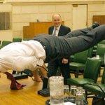 ひぃぃイケメンすぎぃぃぃ!カナダの首相がハリウッド俳優にしか見えないと話題に・・!