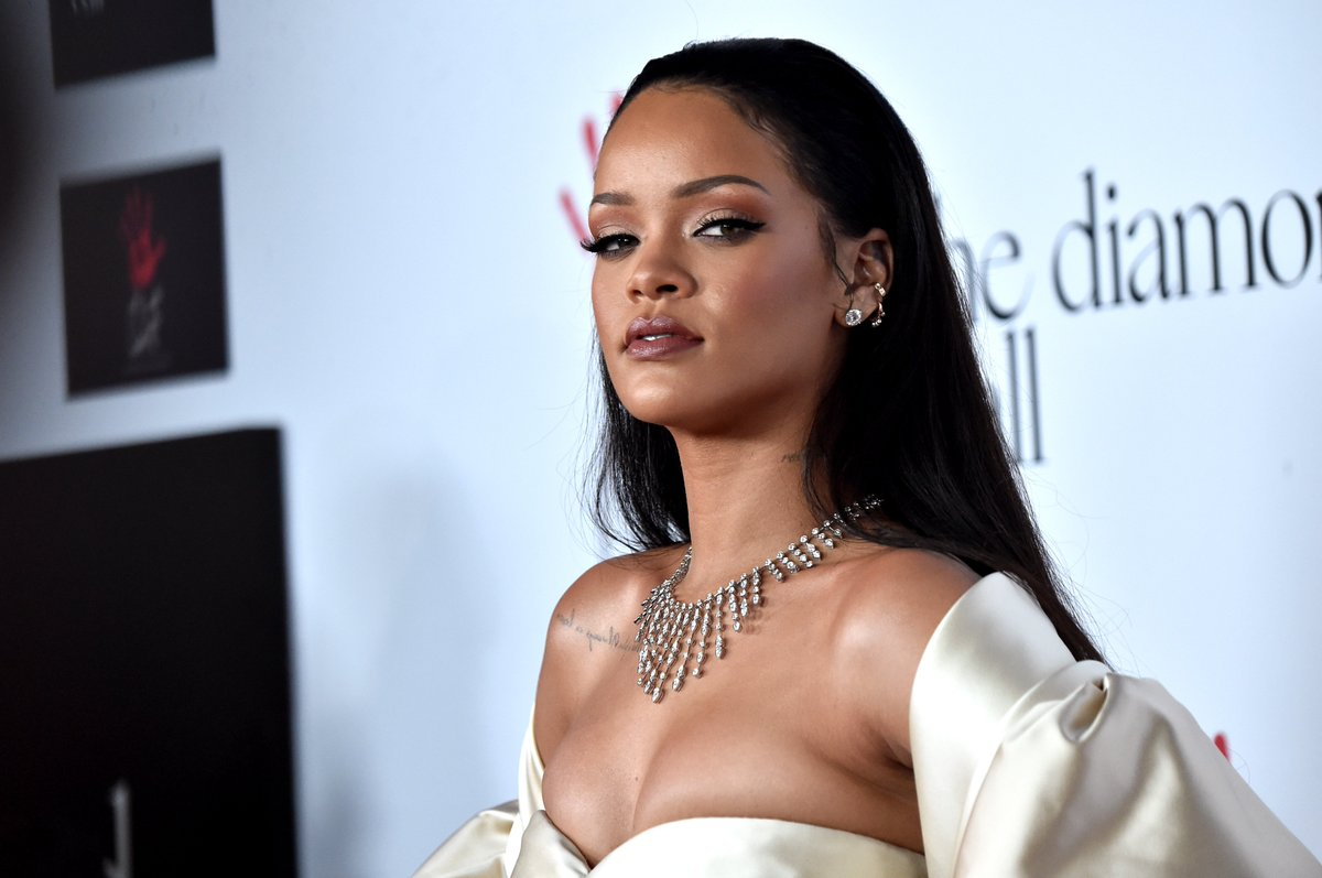 c0a4606c579 rihanna teams up with dior for sunglass collection just in time for summer