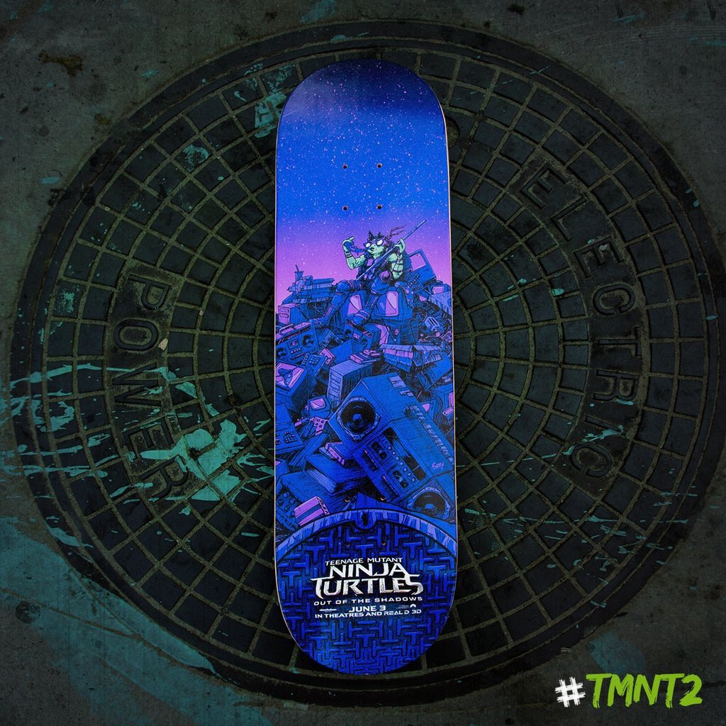 So honored to be asked to do a skate deck for #TMNT2 and @TMNTMovie @Galleries1988 #dreamcometrue https://t.co/NZk1GEiKSU