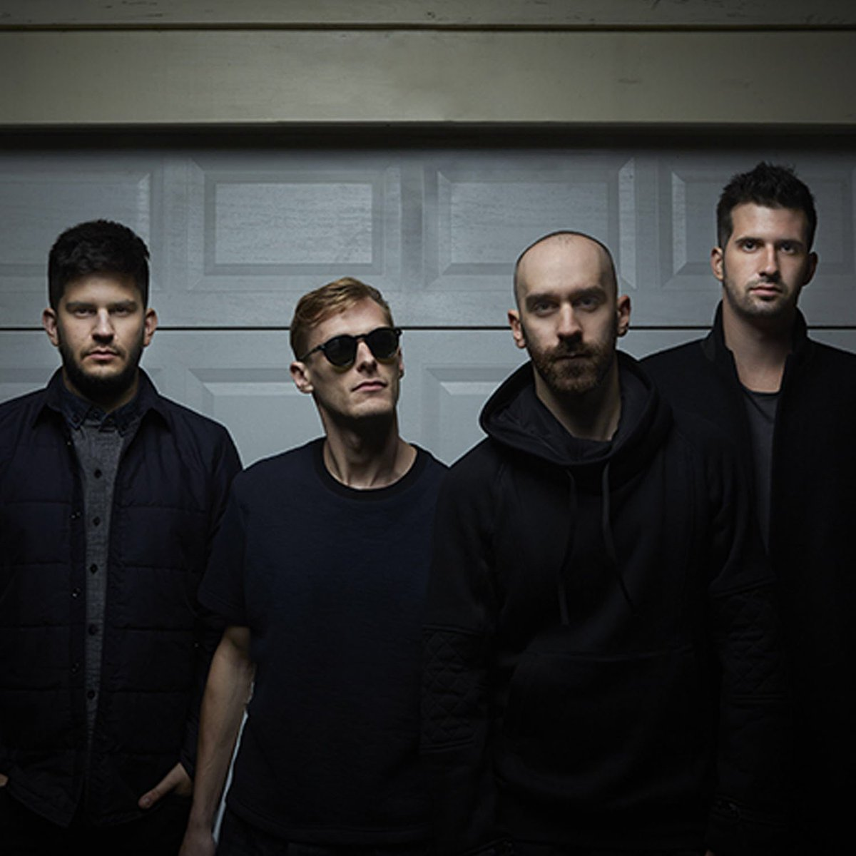 Retweet for a chance to win a guitar signed by @XAmbassadors #covertconcert #Stampede2016 https://t.co/qCtVqHknrk