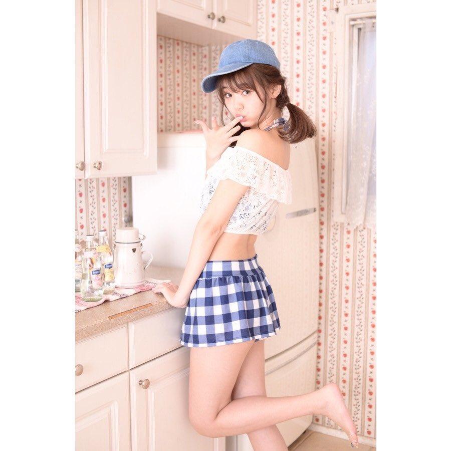 帽子をかぶっている江野沢愛美