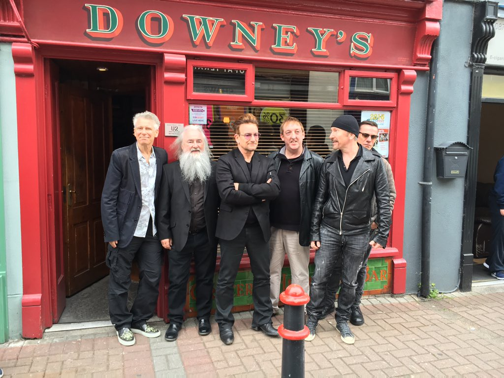 Excitement in downtown Dungarvan #u2 #downeys @DOWNEYBAR https://t.co/pqQi1wiwwF