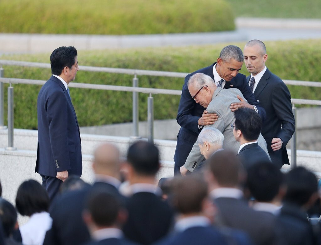 RT @MichaelSkolnik: Barack Obama hugs a survivor of the 1945 atomic bombing of Hiroshima, after his speech at the Peace Memorial Park. http…