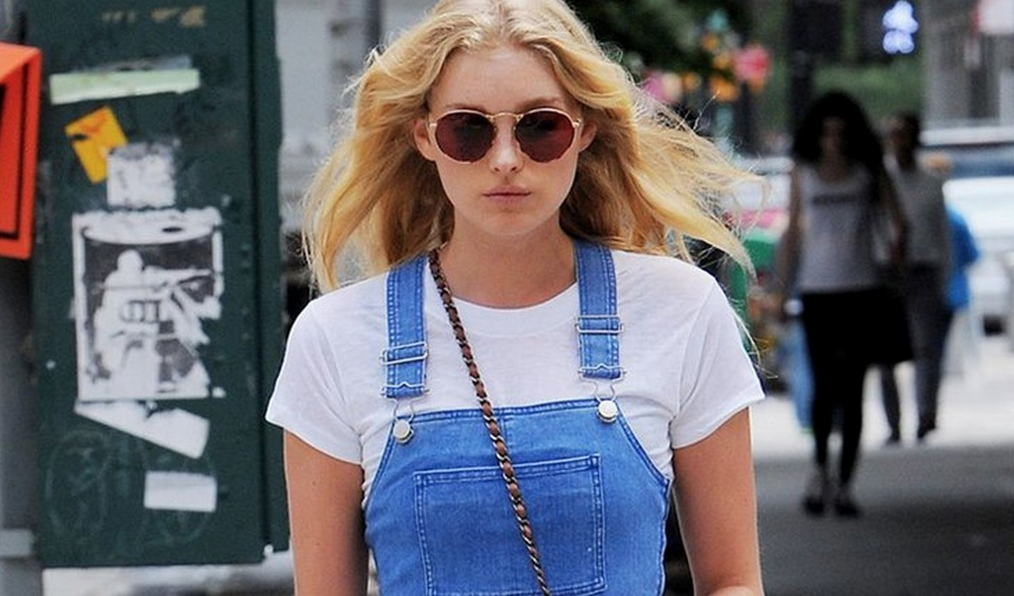 These ladies have made dungarees look absolutely amazing: https://t.co/t4JCfTYqzI https://t.co/O7XKkAHW7D