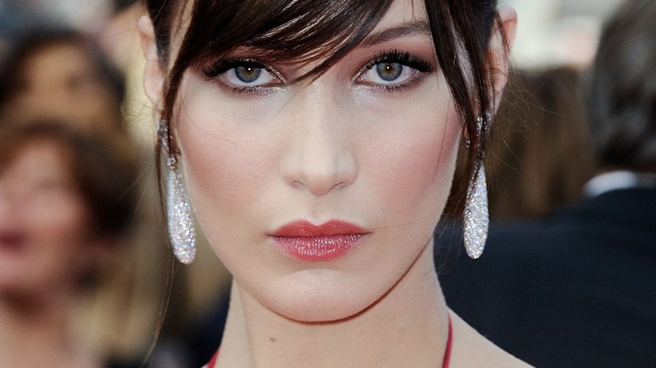 If you're thinking about getting a fringe, take these pictures to your hairstylist: https://t.co/suZOMvzBZj https://t.co/Na33TO0Hov