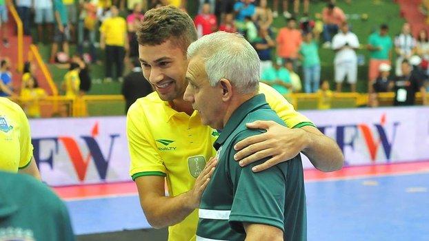 Por férias e 'All-Star' de Dubai, melhor pivô da Liga Futsal pode perder Copa do Mundo - https://t.co/6Lp3hKnfhl