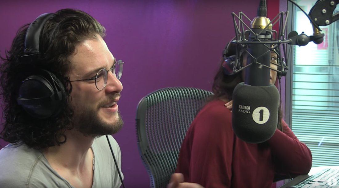 RT @mashable: Maisie Williams rang a Kit Harington radio interview to make Stark family weekend plans https://t.co/VShkxziCby https://t.co/…
