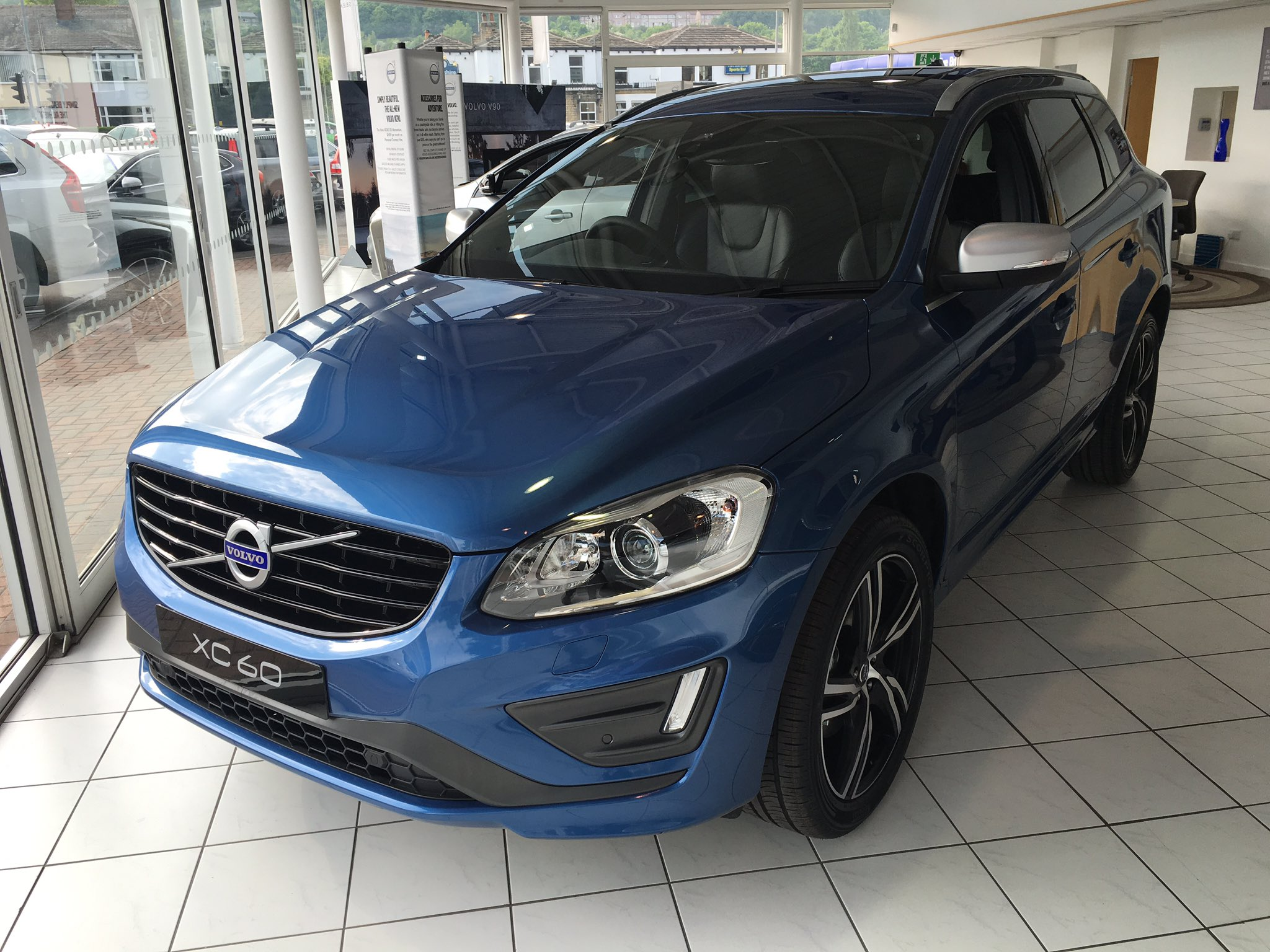 clive brook volvo on twitter bursting blue 2017 volvo. Black Bedroom Furniture Sets. Home Design Ideas