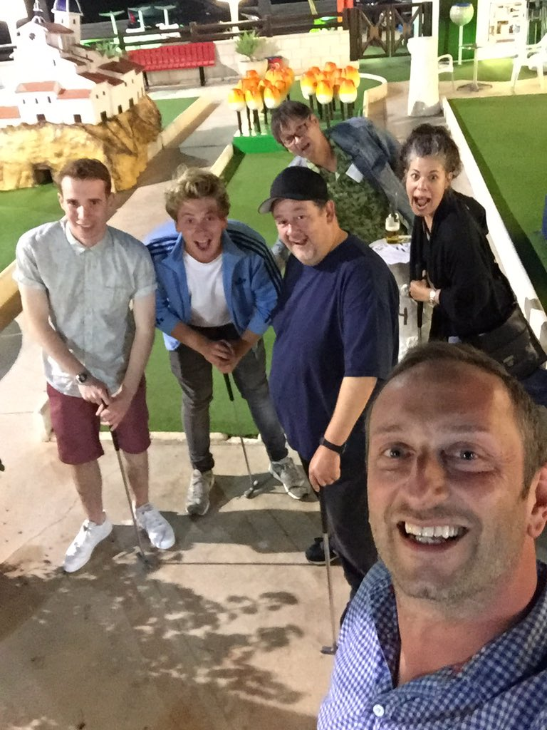 RT @sirsteveedge: Friday night is Crazy Golf night with @JoshBolt @JohnnyVegasReal @_MikeyCollins #SelinaGriffiths #MarkHeap https://t.co/N…
