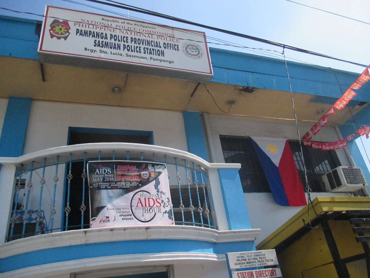 sasmuan mps on twitter hanged displayed philippine flag infront of